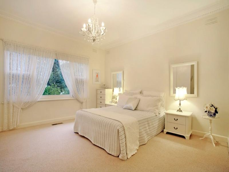 Cheap rental carpet on the gold coast floorwerx gold coast for Cream and gold bedroom designs